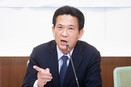 立委林俊憲說,反思過度依賴中國所產生的負面影響是必要的,台灣更不能將重要物資的產線,交給整天對台文攻武嚇的國家。(陳柏州/大紀元)