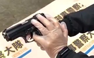宜蘭毒販擁雙槍拒捕 勇警指擋扳機阻開槍