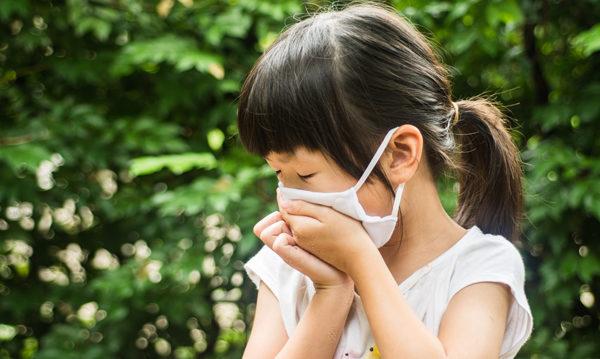 兒童沒有發燒,可能感染病毒嗎?孩子若感染是否需要隔離?(Shutterstock)