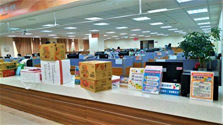 西屯區公所9日上午收到民間物資。