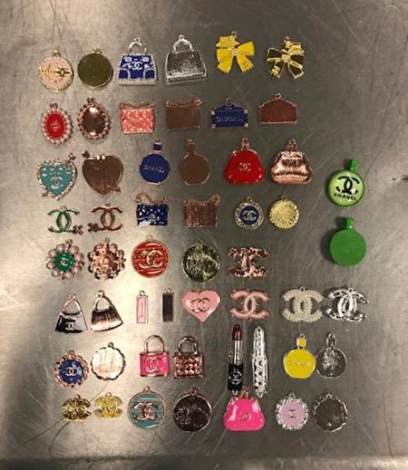 匹茲堡海關緝獲了從香港運來的645個設計師品牌吊飾。