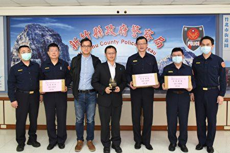 群联电子(股)公司捐赠百组固态硬碟,协助警方提高办案效能。