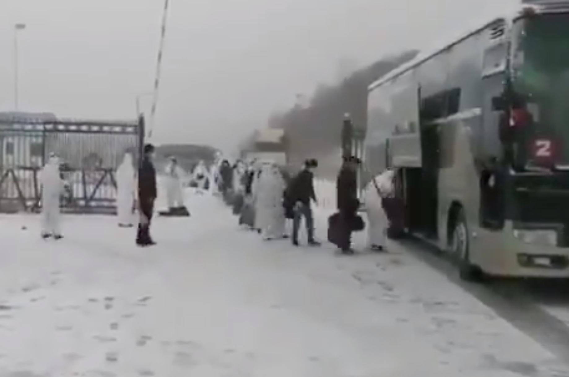 在俄中國人成批回國 避疫還是被遣返?