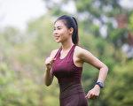 注意4个走路重点,走500步就能有3000步的效果。(Shutterstock)