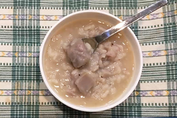 芋頭粥可以開胃生津、消炎鎮痛、補氣益腎。(胡乃文開講提供)