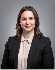 省議員莎拉·斯特里菲(Sarah Stoodley)