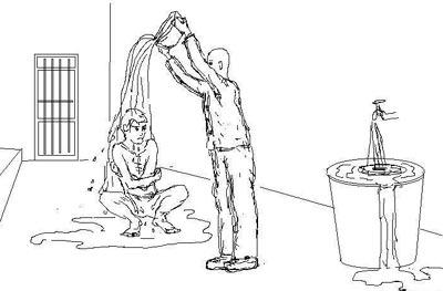 中共酷刑示意圖:澆涼水。(明慧網)