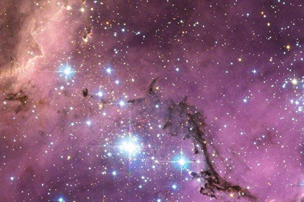 新研究:銀河系周圍有上百個衛星星系