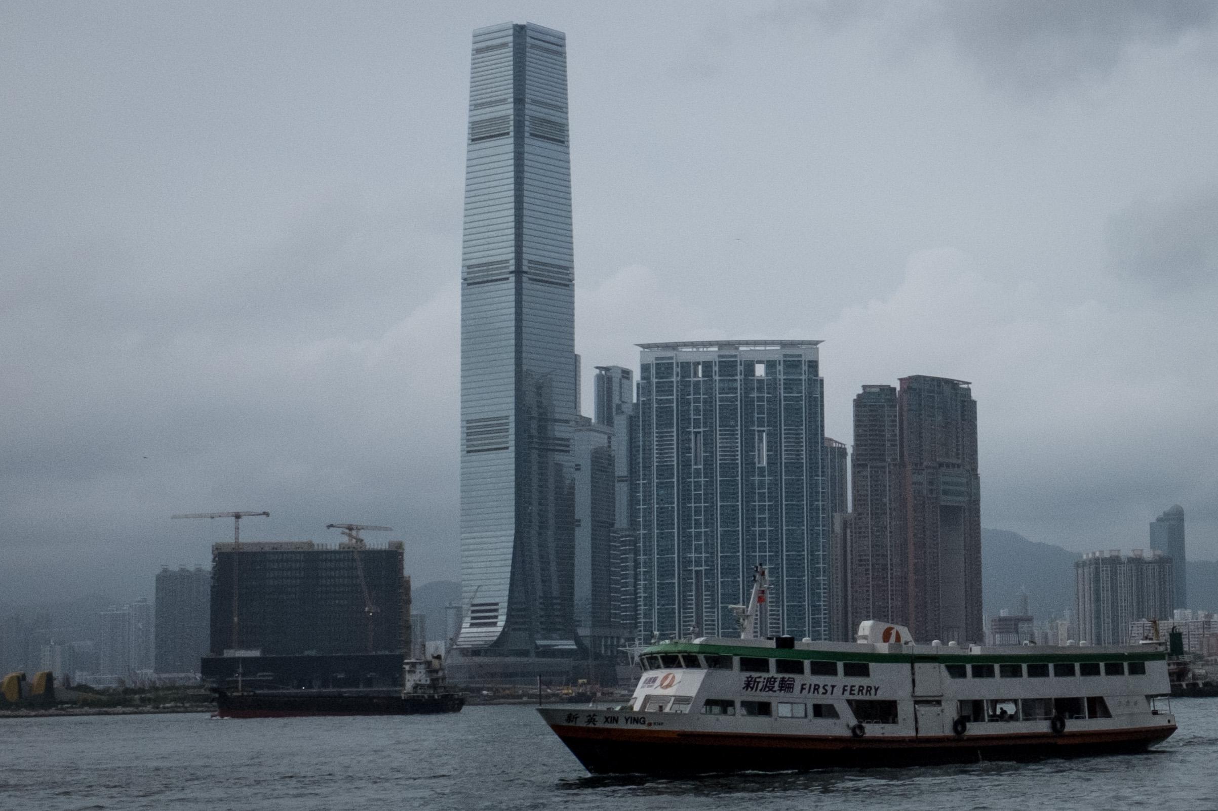 楊威:中共慌神 盲目推出海南自由港