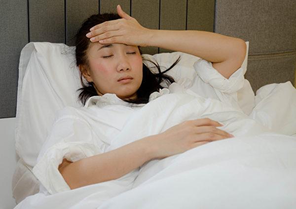 高燒不退的情況建議送醫院急診室。(Shutterstock)