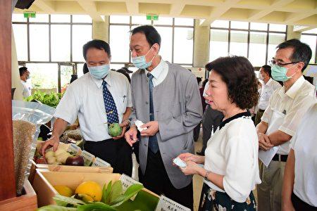 屏科大設置「智慧農業中心」,28日舉行揭牌典禮及成果展。