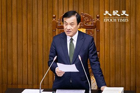 总统府秘书长由前立法院长苏嘉全(图)接任。