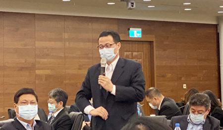 台企联常务副会长、深圳台商协会会长陈忠和表示,政府不该把大陆台商跟世界台商做区隔。