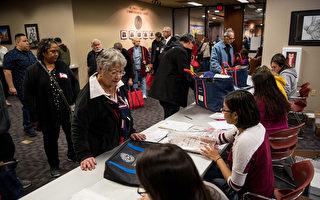 确保安全投票 德州州长延长早期投票期限