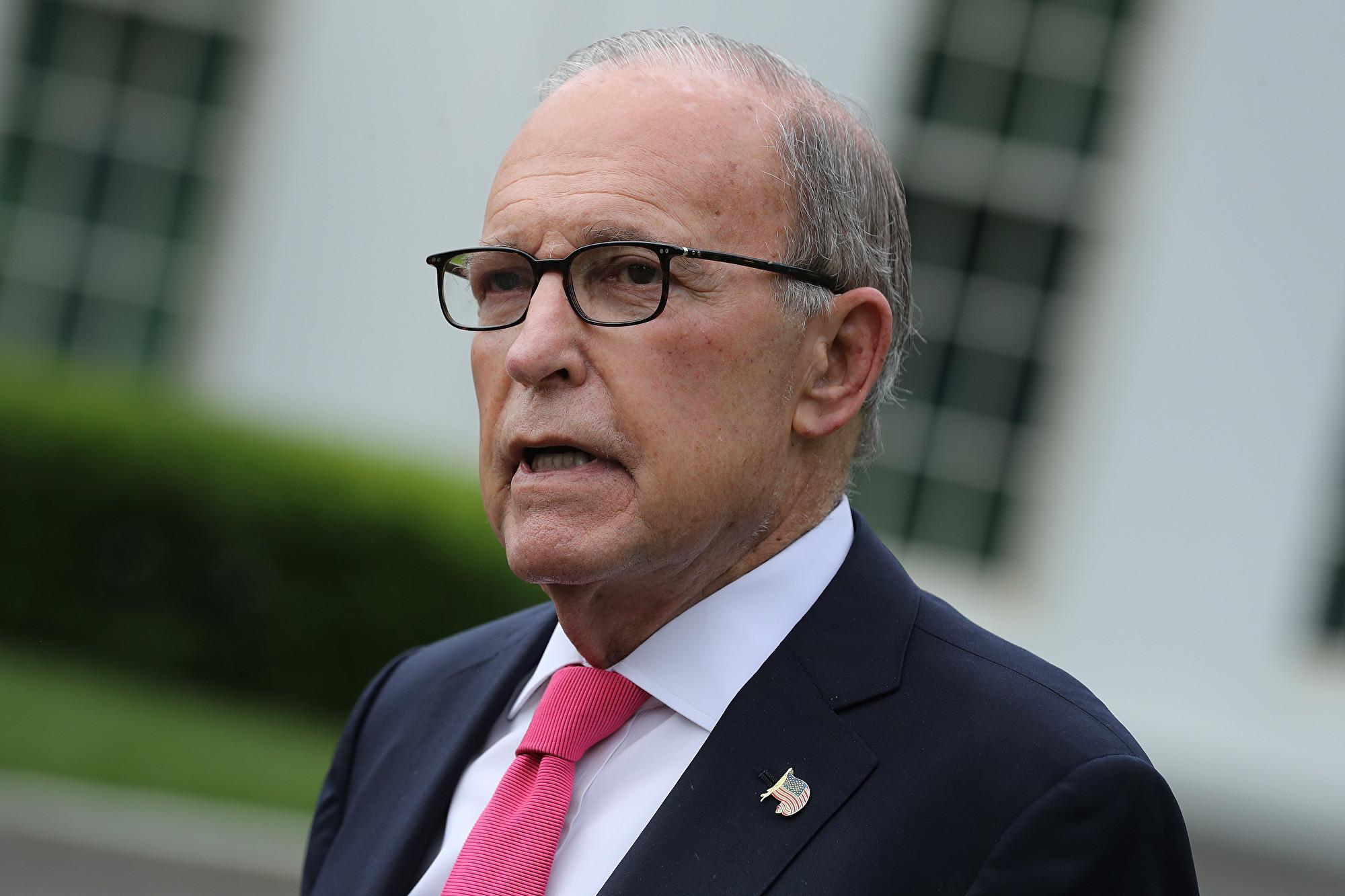 白宮首席經濟顧問、美國國家經濟委員會主席庫德洛接受採訪時說,「要讓在美國股市上市的中國公司承擔更多責任。」(Chip Somodevilla/Getty Images)