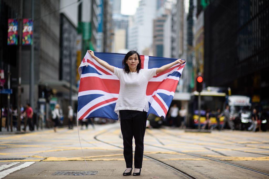 英媒籲政府立即賦予港人公民身份