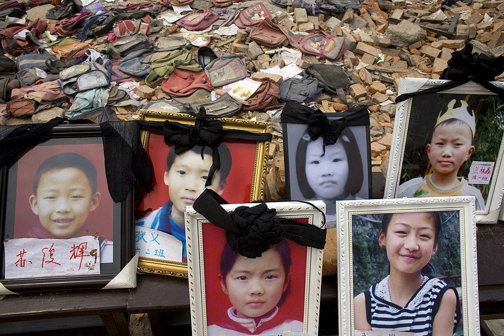 汶川地震12周年 家長在嚴厲監控下悼冤魂