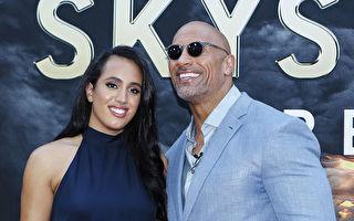 巨石強森女兒闖進WWE 成史上最年輕簽約選手
