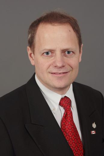 聯邦自由黨副議長、溫尼泊國會議員凱文‧拉穆勒(Kevin Lamoureux)