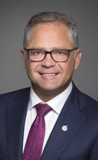 卡加利Confederation 選區國會議員Len Webber