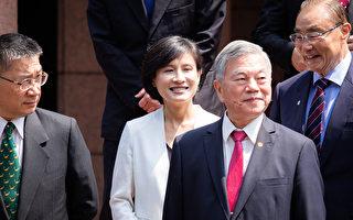 内阁总辞 文化部长郑丽君三度辞退终如愿