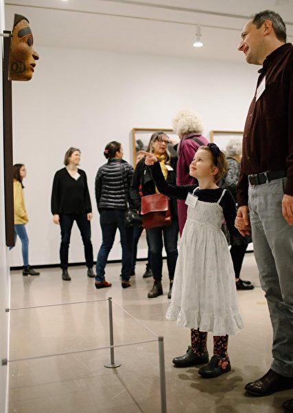 """图:温哥华美术馆邀请您在这个疫情期间支持响应#GivingTuesdayNow活动,帮助温哥华美术馆应对这场""""抗疫""""风暴。(温哥华美术馆提供)"""