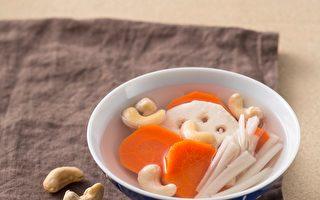 莲藕牛蒡红萝卜腰果汤