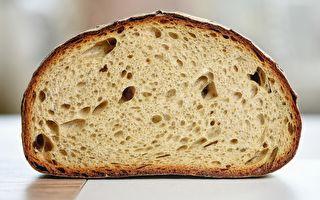 長1公尺重3公斤 越南的特大號麵包走紅