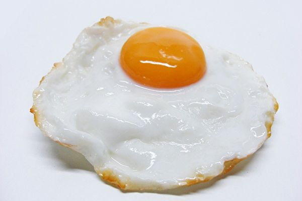 日本妈妈在煎蛋上创作卡通人物 超级卡哇伊