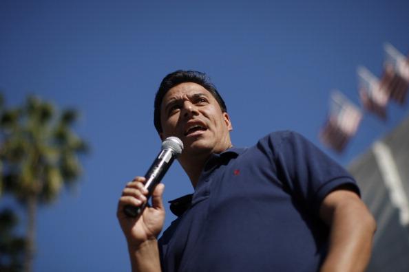 中國億萬富豪被指幫洛杉磯議員擺平性騷擾案