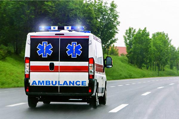許多民眾因害怕疫情不敢到醫院而延誤就醫,急診醫師提醒有這些情況快送急診。(Shutterstock)