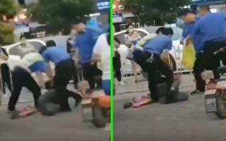 近期,有视频显示,河北衡水市枣强县城管殴打地摊老人。(视频截图合成)