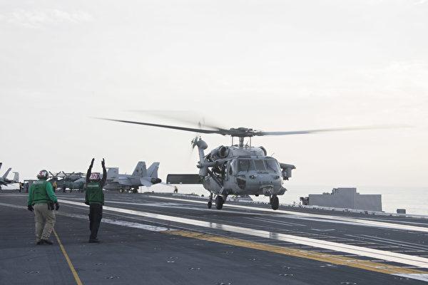 HS-60海鷹直升機在福特號航母甲板上。 (U.S. Navy photo by Mass Communication Specialist Seaman Angel Thuy Jaskuloski/Released)