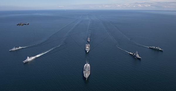 6月7日到16日,美國海軍、北約盟國和合作夥伴正在進行第49屆「波羅的海行動」(BALTOPS 2020)聯合軍事演習。時值中共病毒大流行,今年的演習側重於海上作戰,取消了演習的陸地部份。 (U.S. Navy photo by Mass Communication Specialist 1st Class Kyle Steckler/Released)