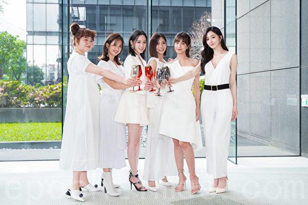 乔雅琳(左至右)、臧芮轩、程予希、蔡黄汝(豆花妹)、陈敬宣、谢翔雅