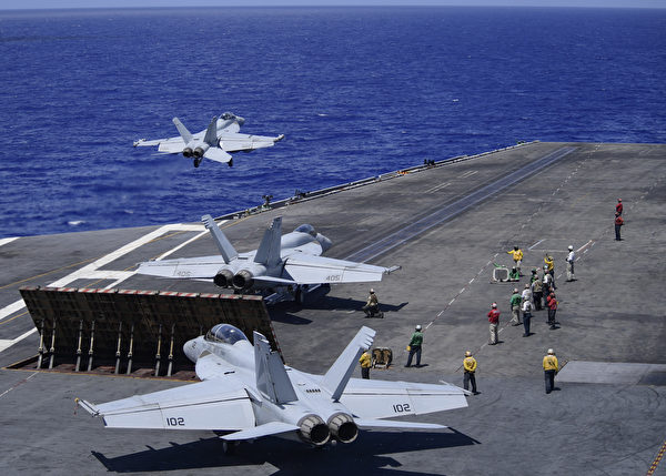 西奧多‧羅斯福號航母 (U.S. Navy photo by Mass Communication Specialist 3rd Class Zachary Wheeler/Released)