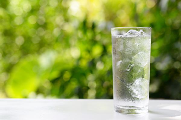 冰水傷身!易致肥胖、疲倦 4種時候千萬別喝