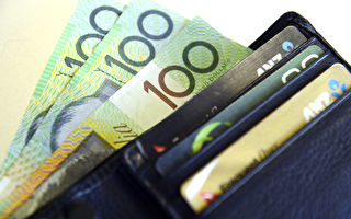 澳洲最低周薪将涨13元 近230万低薪者受益