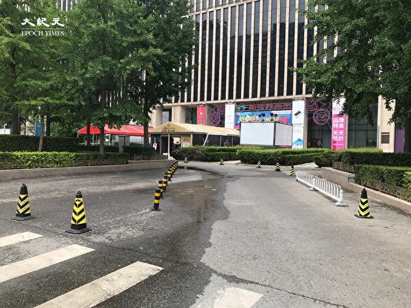 2020年6月25日,CBD萬達廣場空曠無人。(大紀元)