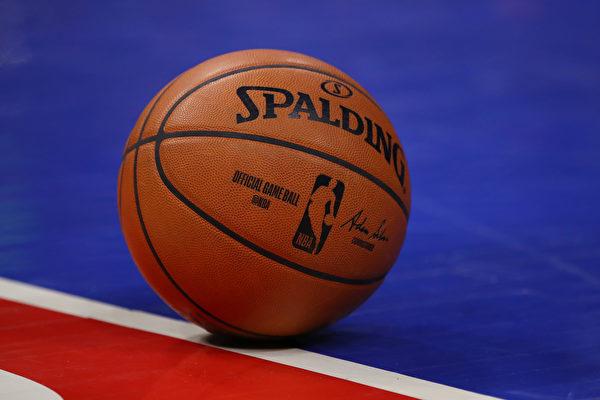 NBA比赛用球