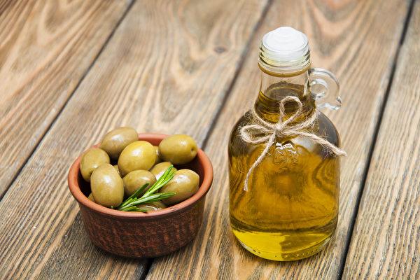 """标有""""特级初榨""""的橄榄油可能不是真的。(Shutterstock)"""
