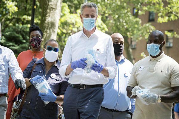 纽约市复工在即 市长吁全体市民接受检测