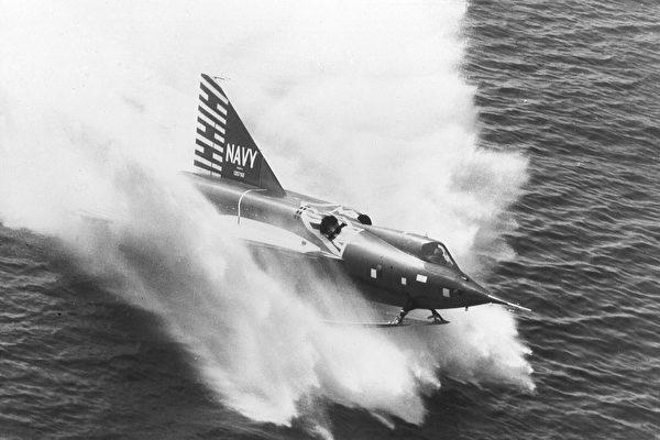你见过可以在水面上起降的喷射战机吗?