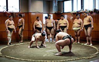 日本女子跳河 20名相扑力士出动搭救