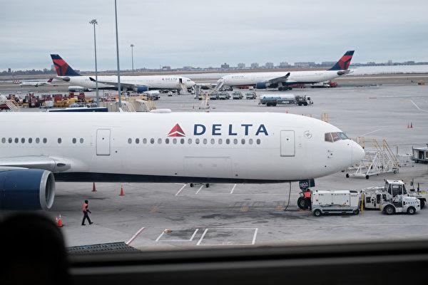 達美航空公司要求6月恢復飛往中國的航班,但一直得不到中方批准。特朗普政府6月3日宣佈,將在6月中旬禁止中國客機往返美國。圖(前)為一架達美公司飛機。 (TOSHIFUMI KITAMURA / AFP)