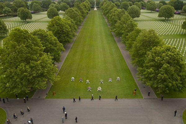 """荷兰民众""""领养""""美军墓碑 感动将士家属"""