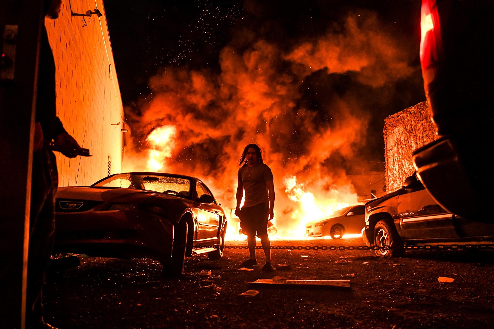 中共開足馬力渲染 美「騷亂」背後鬼影幢幢