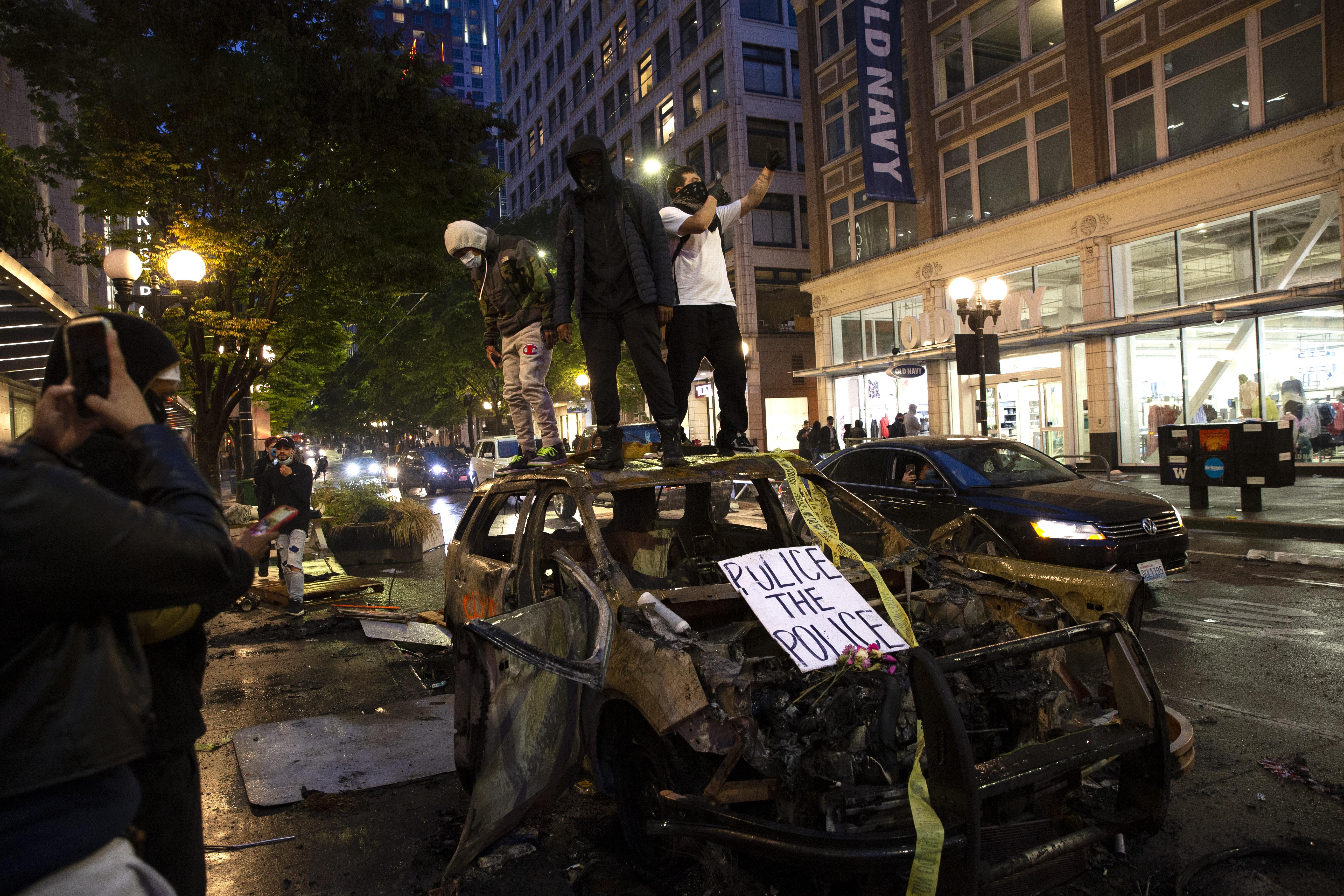 西雅圖激進人士佔領警局宣佈自治 特朗普喊話