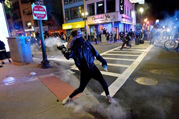美國專家析國內暴動:背後有中共鬼影