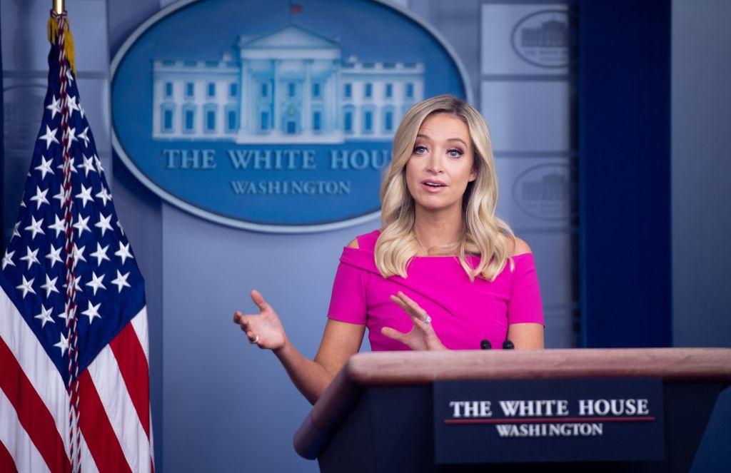 華裔記者指責特朗普歧視 白宮發言人妙語回應